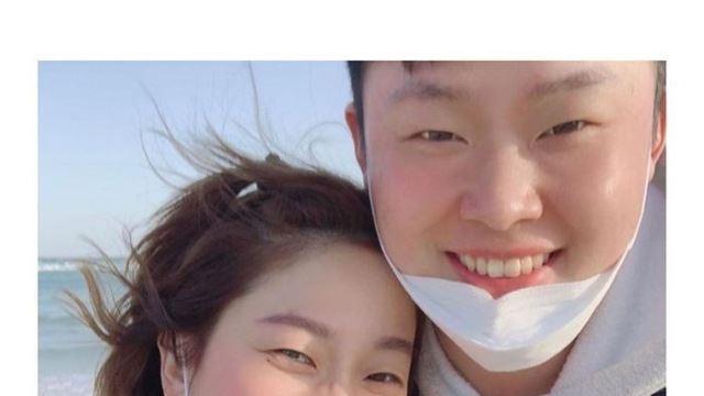 """""""내가 많이 배운다""""…김영희, '10세 연하 예비신랑' 윤승열과 커플샷 공개"""