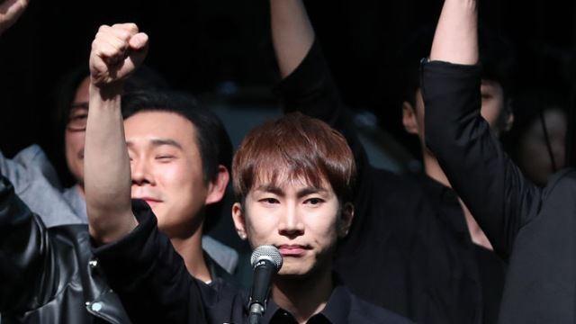 [E포토] 뮤지컬 '썸씽로튼' 이어 '광주' 무대에 선 서은광