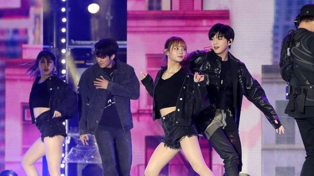[E포토] 강다니엘, '뜨거운 댄스'