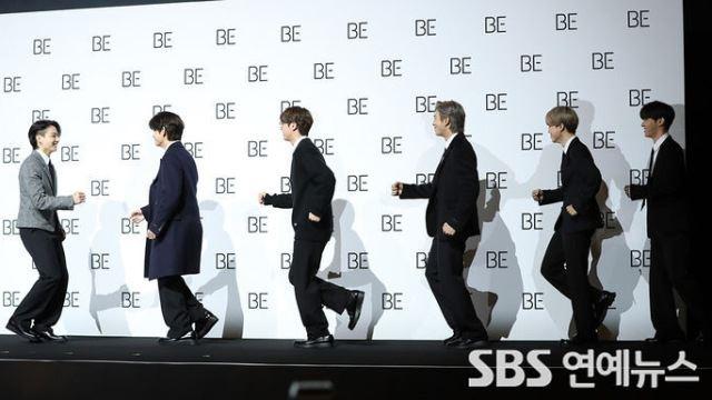[E포토] 방탄소년단, '포토타임도 흥 넘치게'