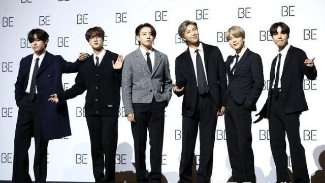 [E포토] 방탄소년단, '새 앨범 들고 컴백'